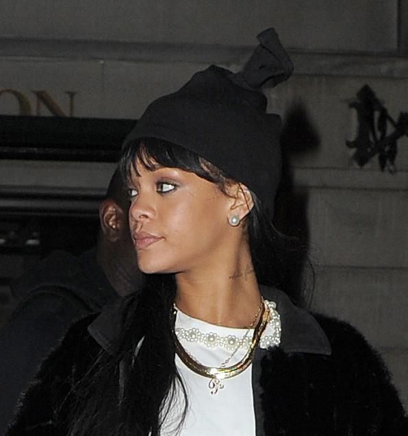 Rihanna Paparazzi Image
