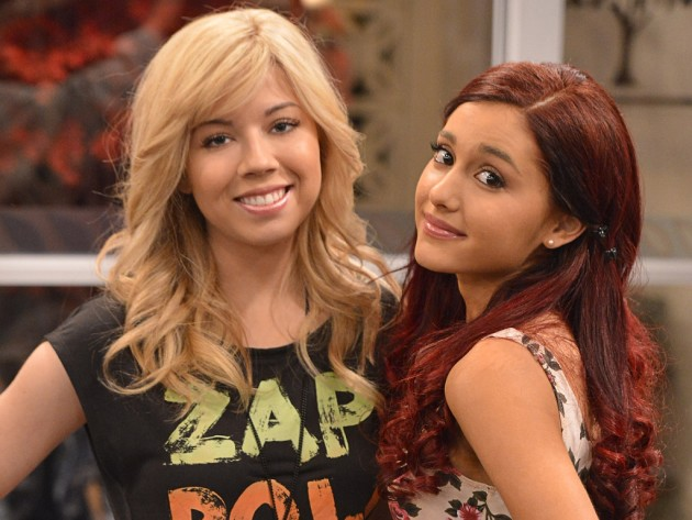 Jennette McCurdy and Ariana Grande Photo