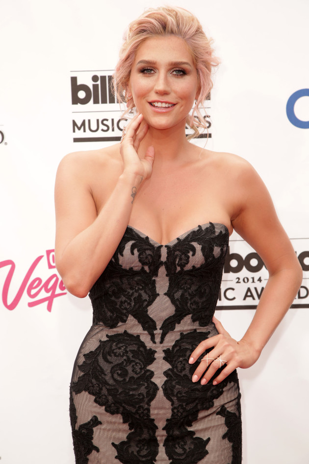 Kesha: Glammed Up at the Billboard Awards