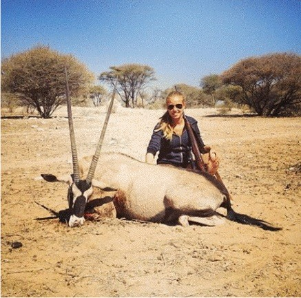 Axelle Despiegelaere Hunting Photo