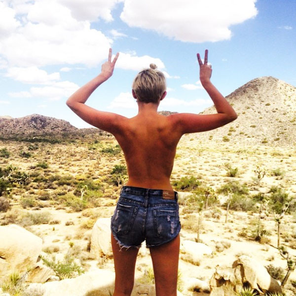 Miley Cyrus, Bare Back