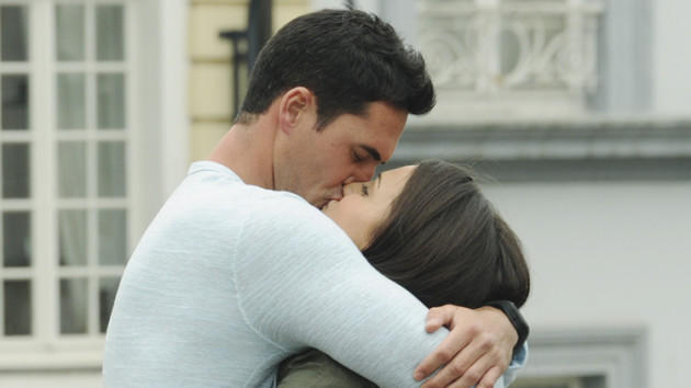 Andi Dorfman, Josh Murray Kiss