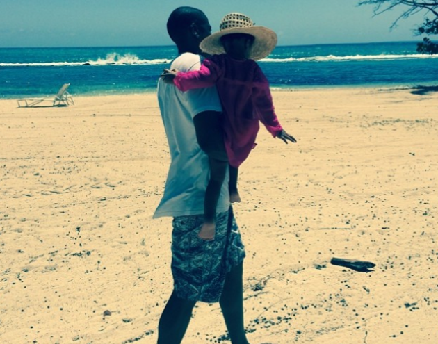 Jay Z and Blue Ivy Photo