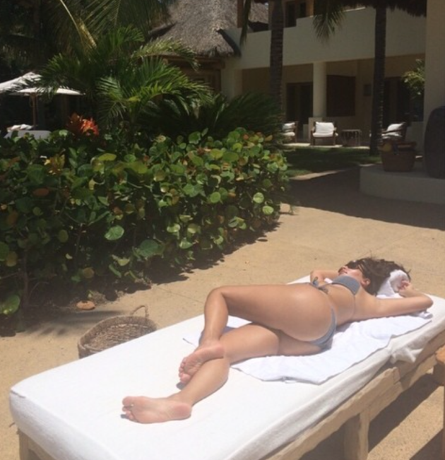 Kim Kardashian Bikini Picture, Take 119!