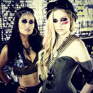 Avril Lavigne, Danica McKellar