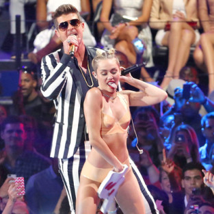 Robin Thicke and Miley Twerk