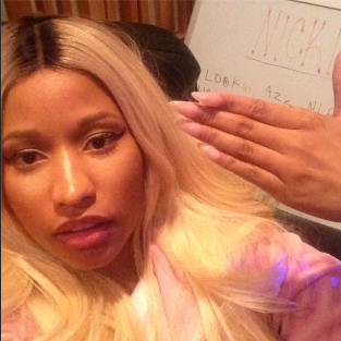 Nicki Minaj, Fingers