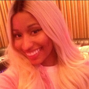 Nicki Minaj, All Smiles