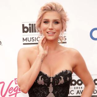 Kesha: Glammed Up at the Billboard Awards