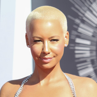Amber Rose, Cleavage