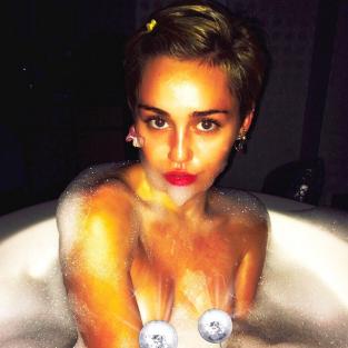 Miley Cyrus in the Bath