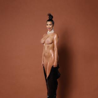 Kim Kardashian: Nude for Paper