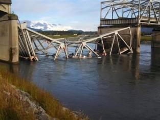 Bridge Collpase on I-5 Pic