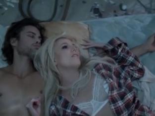 2013: the return of Britney (Jean) Spears Britney-spears-perfume-video-still