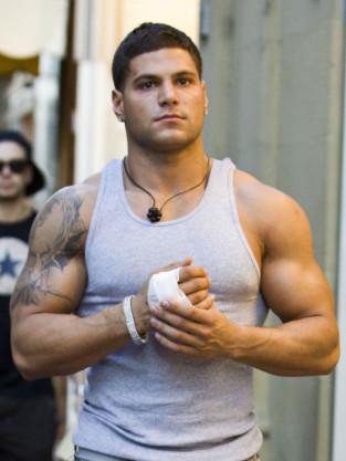Ronnie Magro, Bandage