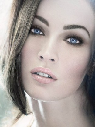 Megan Fox Armani Pic