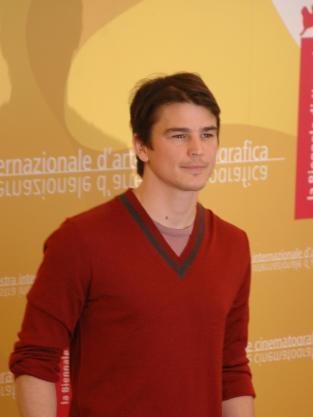 Josh Hartnett Smiles Photo