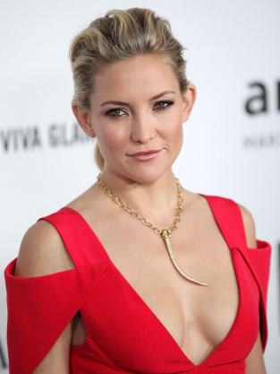 Kate Hudson, Cleavage