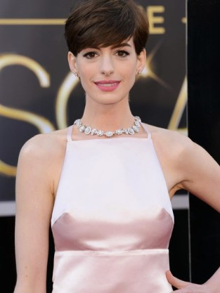 Anne Hathaway Oscar Dress