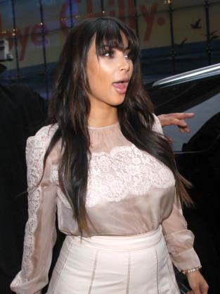 Kim Kardashian Gasps!