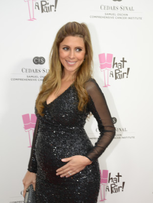 "Jamie-Lynn Sigler ""Feels Bad"" for ""Beautiful"" Kim Kardashian"