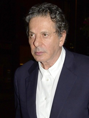 Charles Saatchi Photo