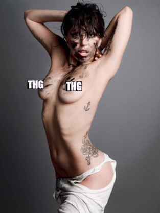 Lady Gaga Topless Photo in V