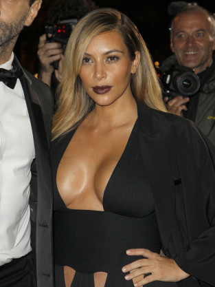 Kim Kardashian with Lots of Cleavage