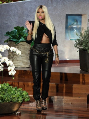 Nicki Minaj Fashion Pic
