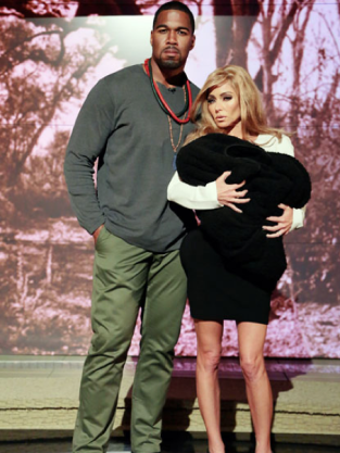 Kelly Ripa as Kim Kardashian
