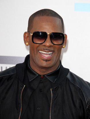 R. Kelly Red Carpet Pic