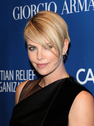 Charlize Theron Hot Photo