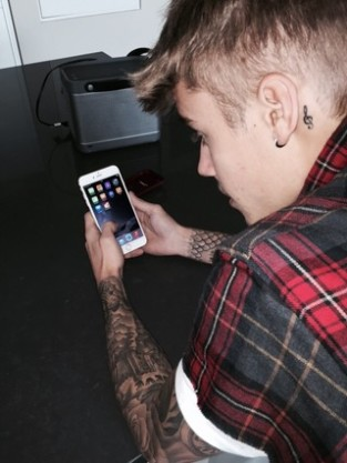 Justin Bieber iPhone Picture