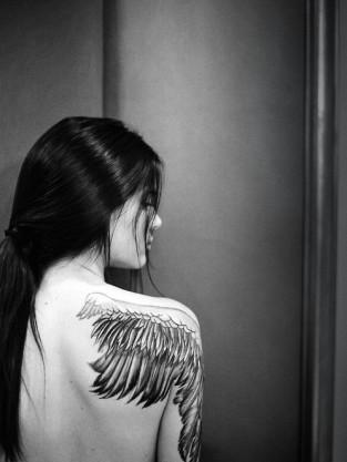 Kendall Jenner Topless Tattoo Photo