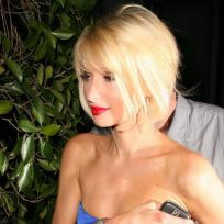 Gripping Paris Hilton