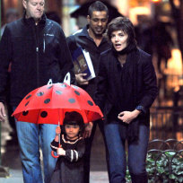 Suri-cruise-and-katie-holmes-pic