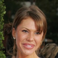 Nikki cox bad plastic surgery