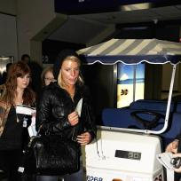 Airport Hottie