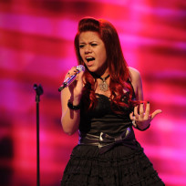 Does Allison Iraheta resemble Kelly Clarkson?