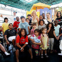 Britney Spears Visits Sick Kids