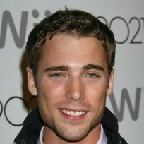 Dustin milligan pic
