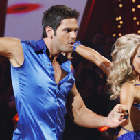 Chuck-wicks-and-julianne-hough-routine