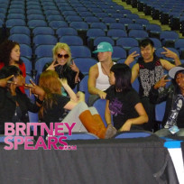 Backup-fancers-for-britney-spears