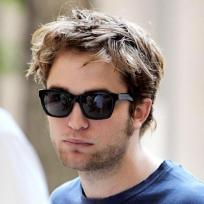 Should Robert Pattinson shave?