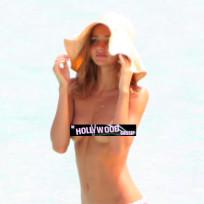 Topless Miranda Kerr Pic