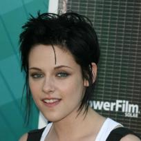 Do you prefer Kristen Stewart with short or long hair?