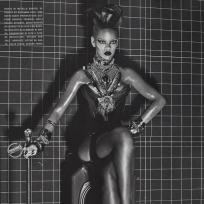Rihanna vogue italy pic