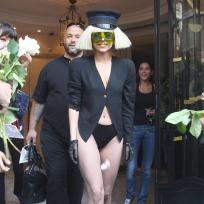 Lady-gaga-no-pants-picture