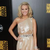 Who looked better at the AMAs, Carrie or Leona?