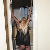Lindsay Lohan: No Pants!
